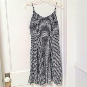 Old Navy The Cami Dress Sundress Black Print sz M